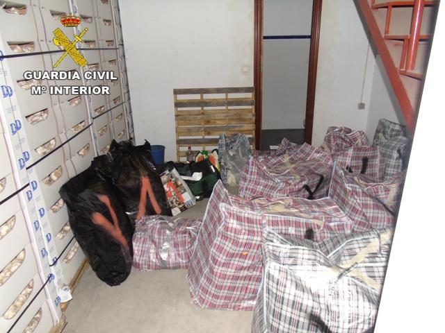 La Guardia Civil desarticula una organización delictiva que transportaba hachís entre España y Holanda en cajas de ajos