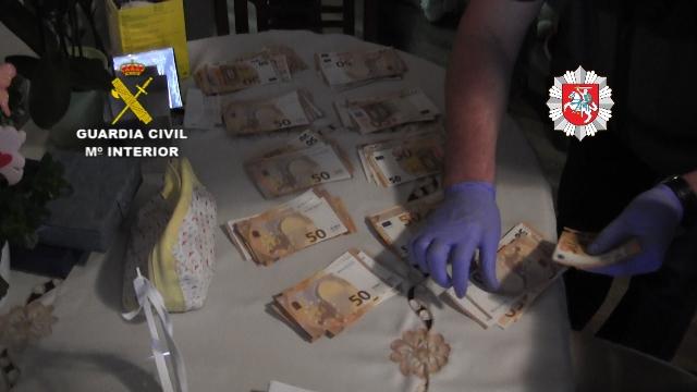 La Guardia Civil libera a 8 víctimas de trata de seres humanos con fines de explotación laboral