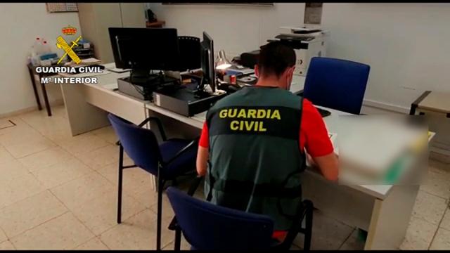 La Guardia Civil investiga a una academia granadina por vender falsos certificados de cursos formación para una oposición a bombero forestal