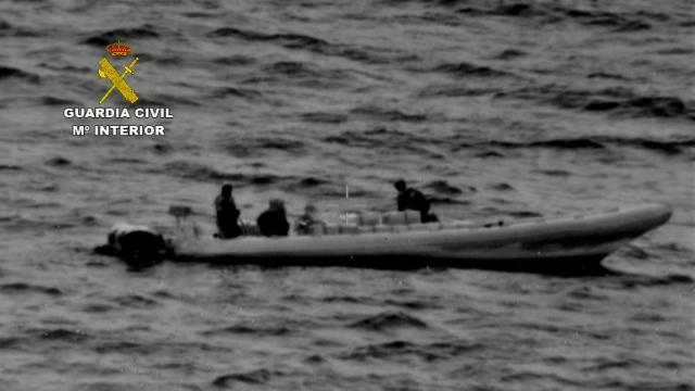 La Guardia Civil desarticula una red que introducía importantes partidas de  hachís por las costas de Huelva y el Guadalquivir