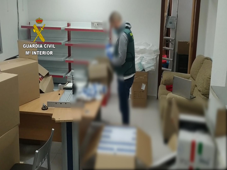 Intervenidos más de 3300 test rápidos de COVID-19 que iban a ser utilizados para su venta ilegal