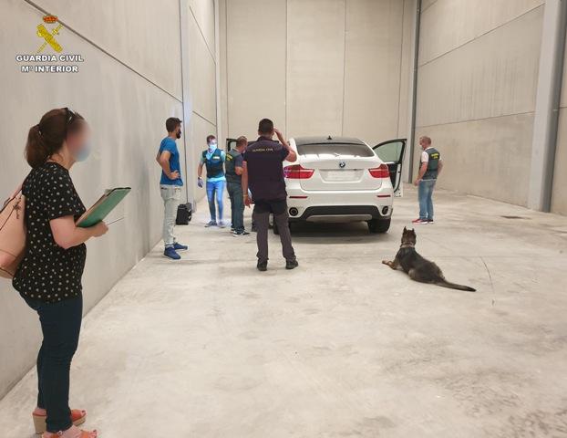 La Guardia Civil trunca la actividad de un grupo especializado en secuestros y localiza la nave industrial donde retenía a sus víctimas