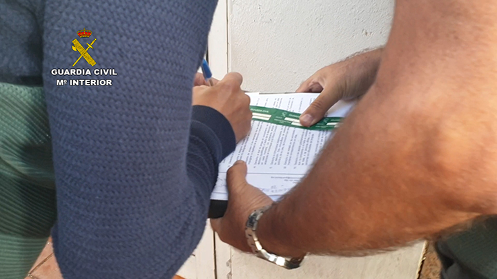 La Guardia Civil detiene al Guía de un centro de buceo por un homicidio por imprudencia grave en Gran Canaria
