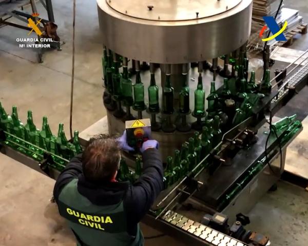 Desmantelada una de las mayores redes delictivas de elaboración y distribución ilegal de whisky