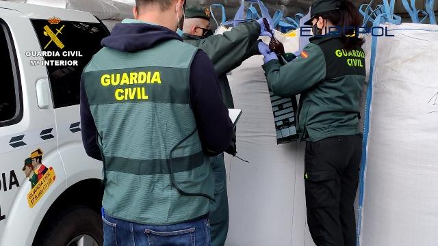 Destapada una trama empresarial que vendía falsos pistachos ecológicos en España y Francia