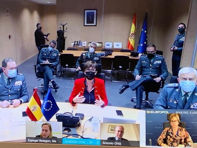 María Gámez reafirma el compromiso de la Guardia Civil con Europol