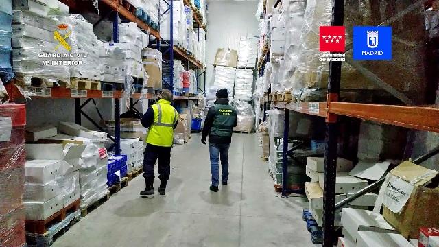 La Guardia Civil en colaboración con las autoridades de salud pública incauta más de 122.000 kilos de productos cárnicos