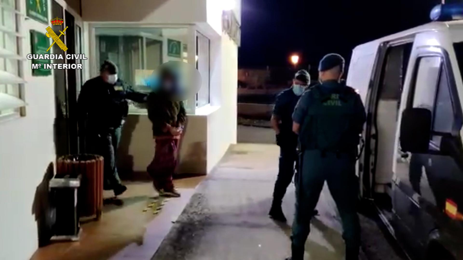 La Guardia Civil interrumpe una fiesta privada en la que se congregaban más de 20 personas