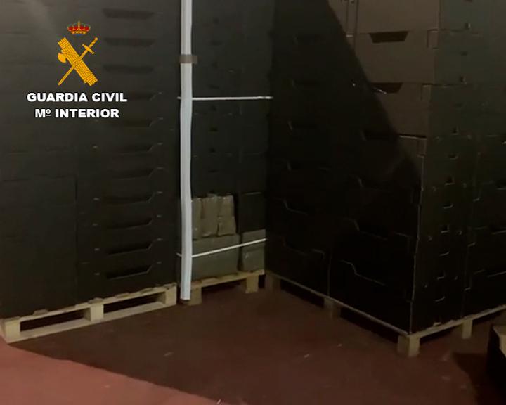 La Guardia Civil detiene en dos operaciones contra el narcotráfico a 7 personas e incauta más de dos toneladas de hachís