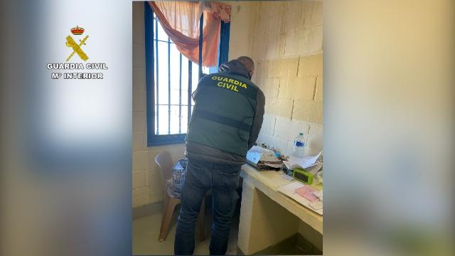 La Guardia Civil detiene a tres internos acusados de intentar captar y radicalizar a otros presos en el CP de Murcia II