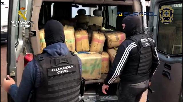 La Guardia Civil desarticula una red que introducía grandes cantidades de hachís por las costas de Huelva