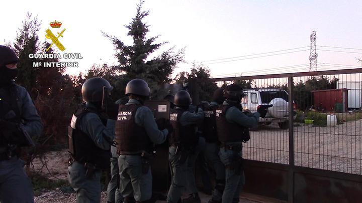 La Guardia Civil localiza la plantación subterránea con mayor capacidad de  producción de marihuana hasta la fecha