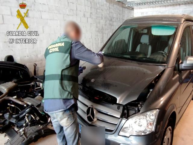 La Guardia Civil desarticula una organización delictiva altamente diversificada, especializada en la sustracción de vehículos de alta gama