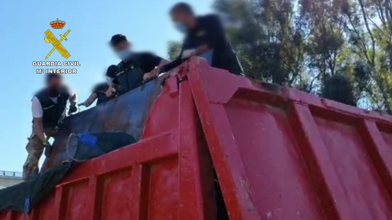La Guardia Civil desarticula una importante red que suministraba grandes cantidades de hachís a otros grupos criminales
