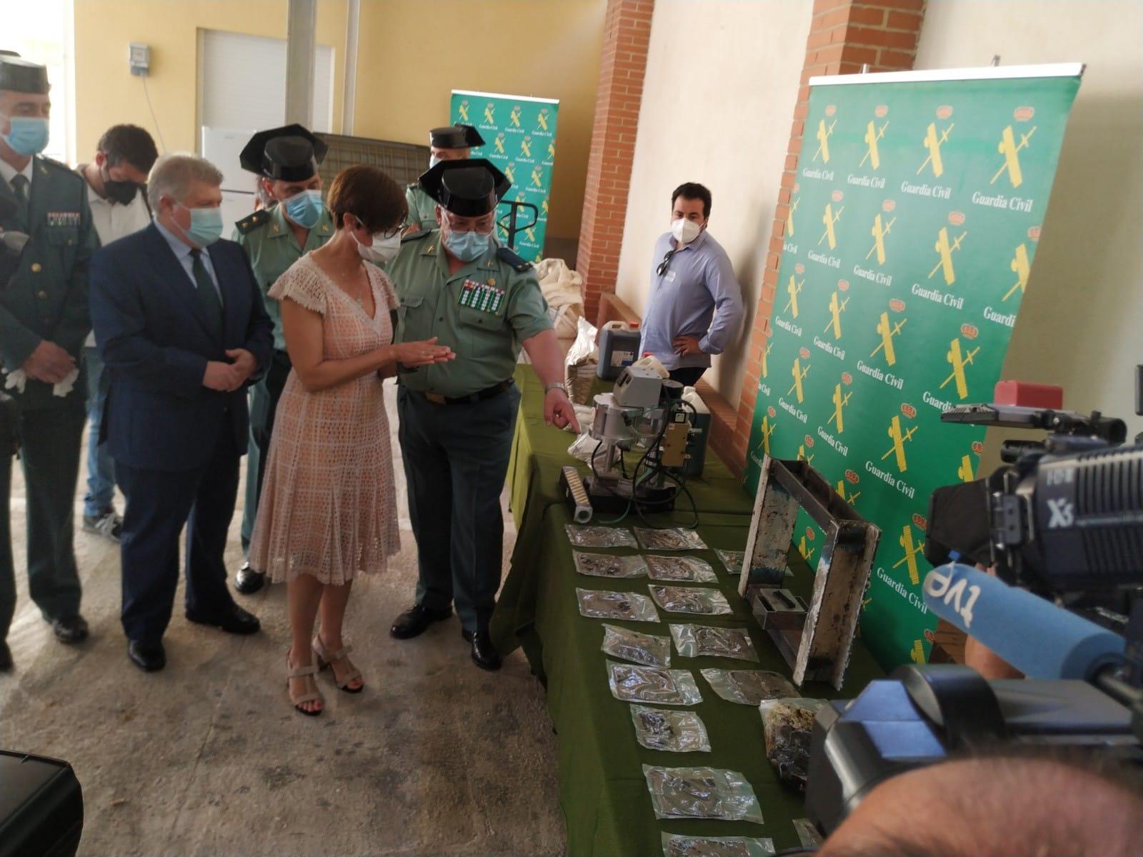 María Gámez presenta los resultados de la operación Overdose, en la que se ha desmantelado una de las primeras fábricas de hachís asentada en territorio nacional