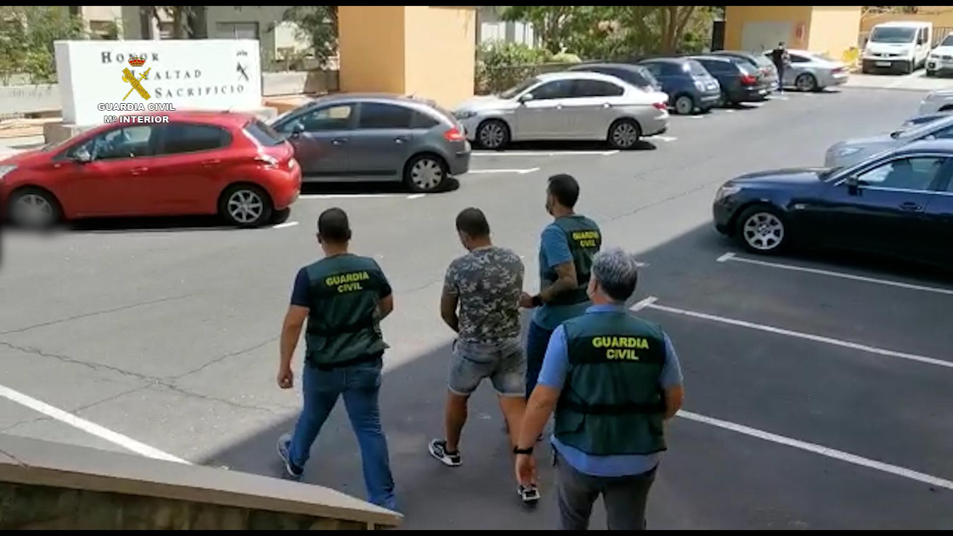 La Guardia Civil detiene en Santa Cruz de Tenerife a un individuo por un delito de terrorismo