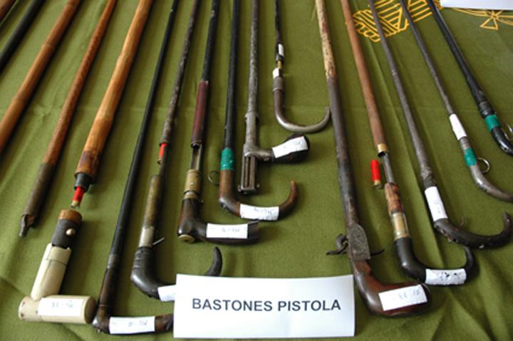 La Guardia Civil desmantela un grupo dedicado al tráfico de armas y se incauta de un arsenal