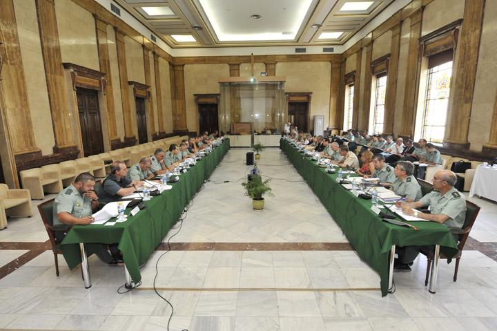 Arsenio Fernández de Mesa preside el Consejo de la Guardia Civil