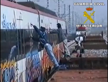 La Guardia Civil detiene a 21 grafiteros que actuaban en trenes de varias Comunidades Autónomas
